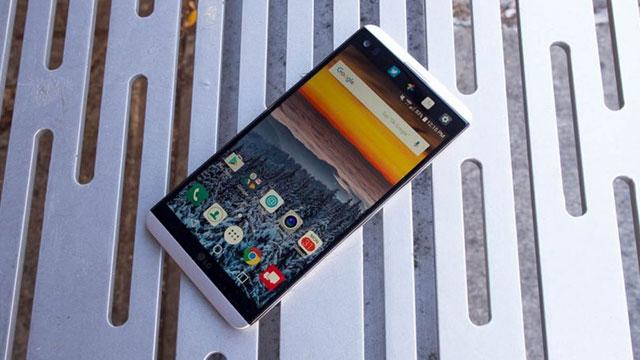 LG V30'un da Plus Versiyonu Geliştiriliyor Olabilir