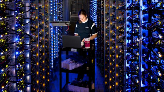Google Hollanda'da 120 Megawattlık Veri Merkezi Kuruyor