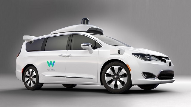 Google'ın Sürücüsüz Arabası Chrysler Pacifica 2017'de Yollarda