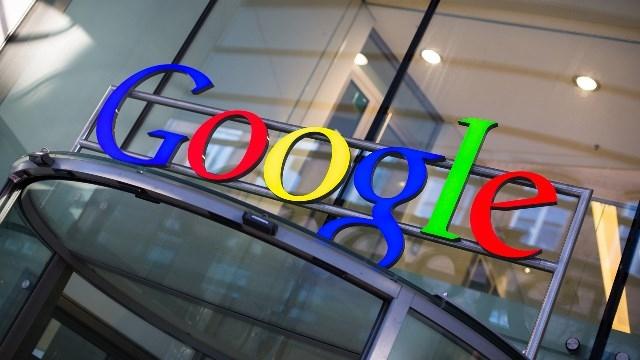 Google'ı İnsan Sanıp Sürekli Teşekkür Eden Büyükanneye Google Jest Yaptı