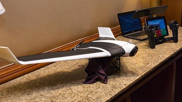 Savaş Uçaklarına Benzeyen Drone CES 2016'da Görücüye Çıktı