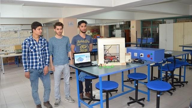 Giresunlu Öğrenciler Atık Parçalarla 3D Yazıcı Geliştirip Çin'e Rakip Oldular