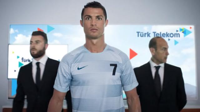 Cristiano Ronaldo Türk Telekom'a Transfer Oldu