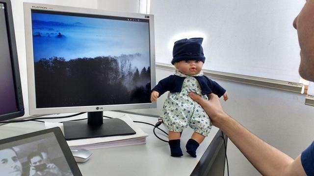 Yapay Zeka Taşıyan Bebek Duyguları Okuyabiliyor