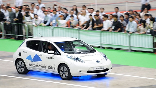 Nissan'ın Sürücüsüz Otomobili Londra Caddelerine İniyor