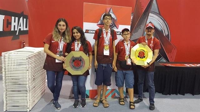 Çin'de Düzenlenen Robot Yarışmasına Antalya Robot Takımı Damga Vurdu