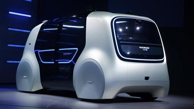 Volkswagen'in Sürücüsüz Otomobili 'Sedric' Tanıtıldı