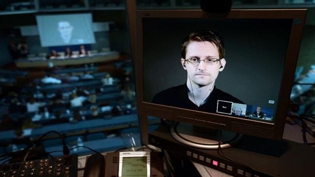 Rusya, Edward Snowden'ı Trump'a Hediye Olarak Geri Gönderebilir