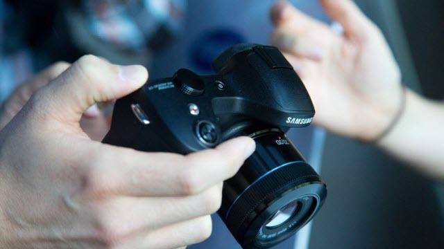 Android Fotoğraf Makinesi Galaxy Camera NX Tanıtıldı