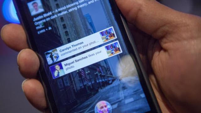 Facebook Kilit Ekranı Standart Android Uygulamasına Geldi