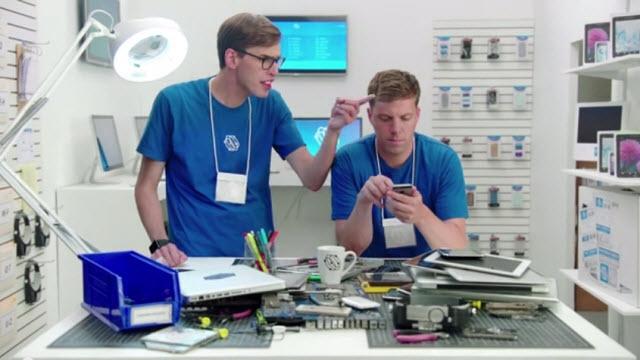Samsung Apple Watch ve iPhone 6 ile Dalga Geçiyor
