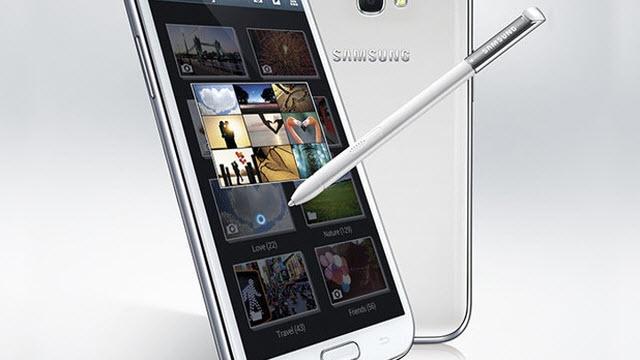 Samsung Galaxy Note 3 de Plastik Gövdeli Olacak