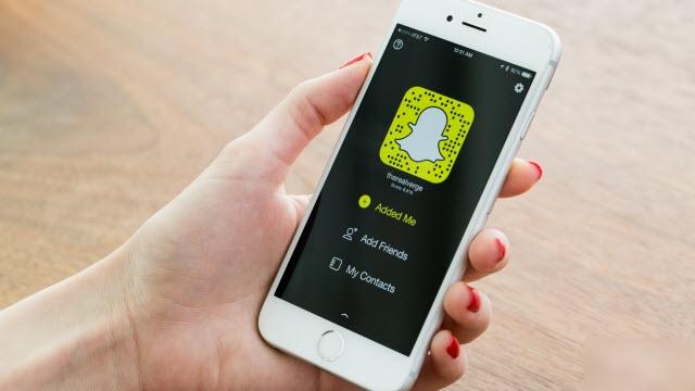 Snapchat Artık Kullanıcılara Kendi Ürettiği İçerikleri Sunmayacak