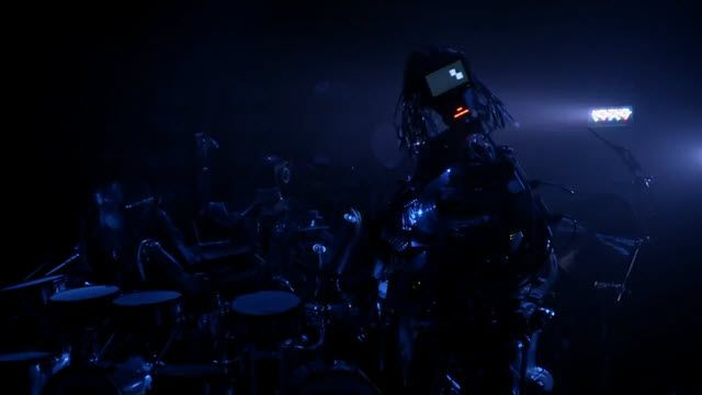 78 Parmaklı Robot Gitaristle Tanışın