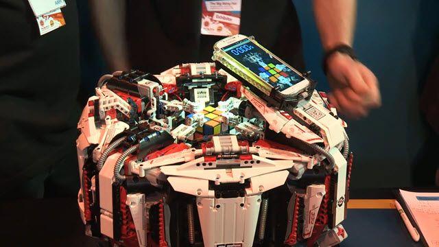Cubestormer 3 Rubik Küp Hız Rekorunu Kırdı