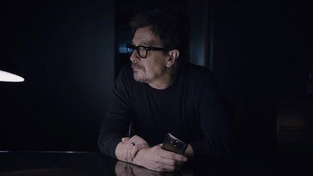 HTC One (M8) için Gary Oldman'lı Reklam Videosu
