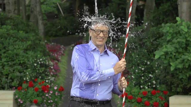 Bill Gates'ten Zuckerberg'in Buzlu Su Şovuna Cevap Geldi!