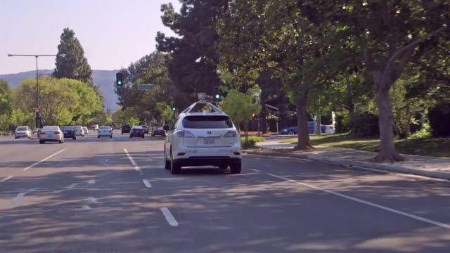 Google'ın Kendini Süren Arabası Şehir Sokaklarında