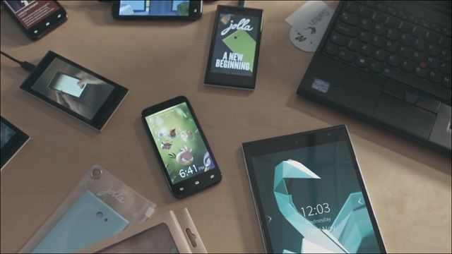 Dünyanın İlk Gerçek Kitle Kaynaklı Tableti: Jolla Tablet
