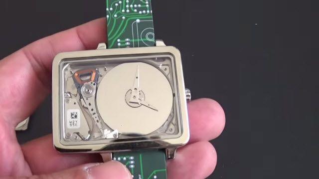 Harddisk Şeklindeki İlginç Saat