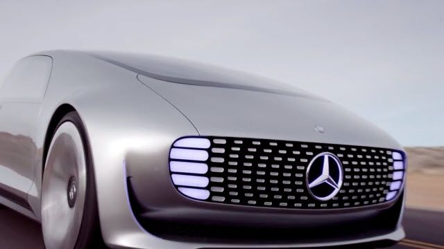 Mercedes-Benz F 015: Hareket Halindeki Lüks