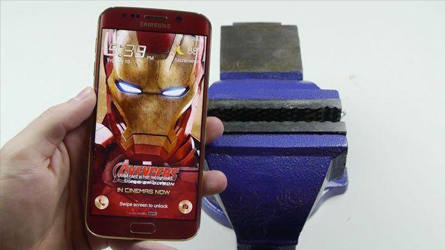 Samsung Galaxy S6 Edge Iron Man Bükülme Testi