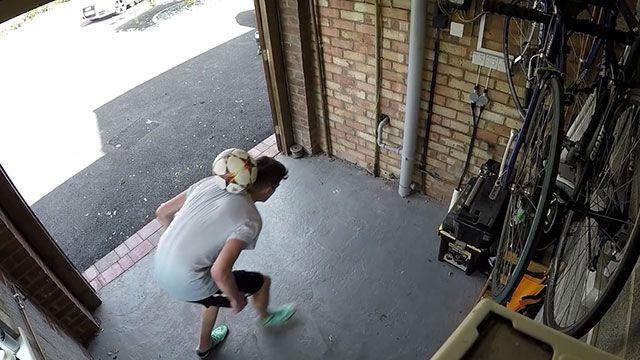 Garajda Top Sektirmek Başa Bela