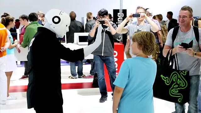 Lenovo'nun IFA'daki Robotu Görenleri Şaşırttı