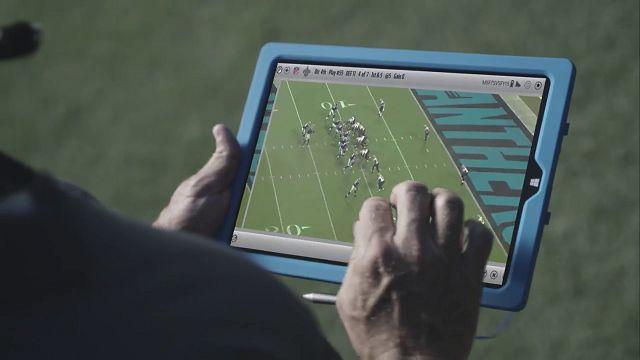NFL Oyuncuları ve Antrenörleri Surface Tableti Tercih Ediyor
