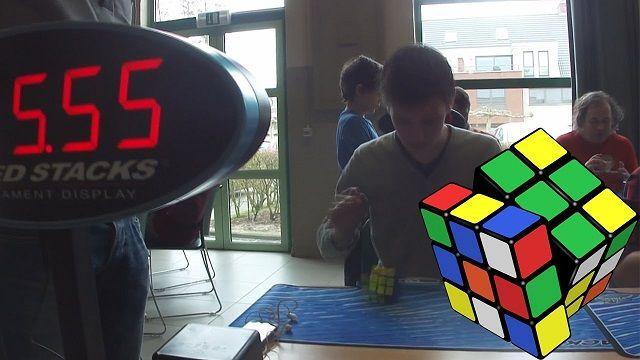 Dünya'nın En Hızlı Rubik Küp Çözen İnsanı