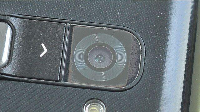 Çizilen Telefon Kamerasını Cilalayarak Düzeltme