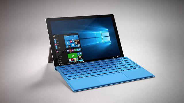 Surface Pro 4 Type Cover: Şimdiye Kadarki En Gelişmiş Klavye