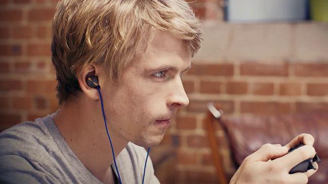 Sony'den PS4 Kullanıcılarına Özel Kulak İçi Kulaklık