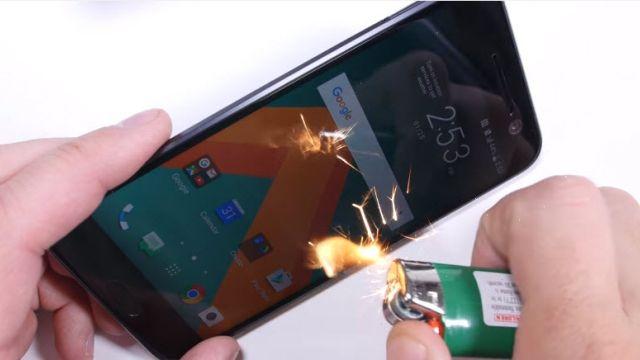 HTC 10 Bükülme, Çizilme ve Yanma Testi