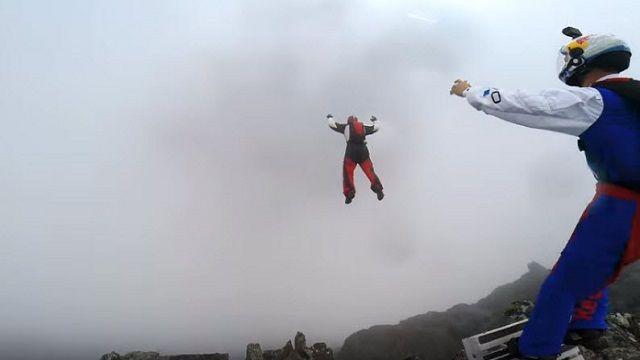 Alçak Bulutların Üzerinden Bilinmeyene Atladılar!