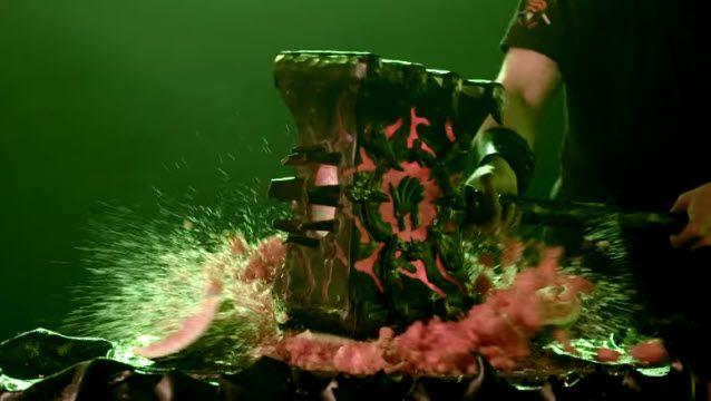 Warcraft'taki Efsane Silah Doomhammer'ın Gerçeğini Yaptılar!
