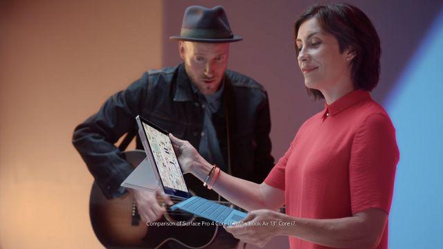 Microsoft'un Yeni Reklam Filminde Apple'a Yine Gönderme Var