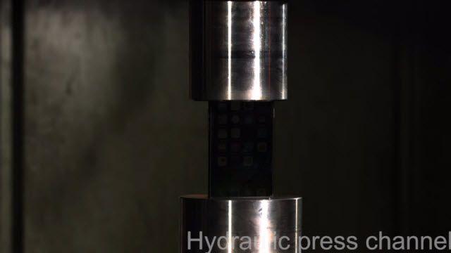 iPhone 7'nin Hidrolik Pres ile İmtihanı
