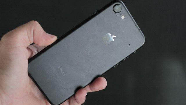 iPhone 7 Kutu Açılışı (Siyah iPhone 7 İçerir)