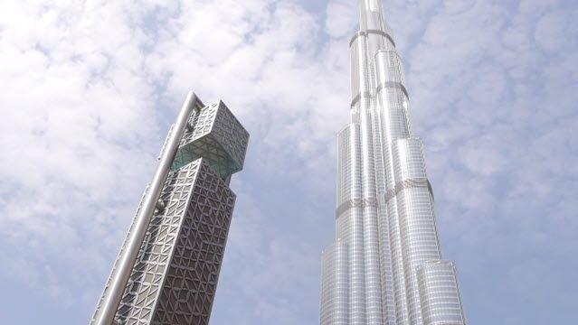 iPhone 7'yi Dünyanın En Yüksek Binasından Atarsanız Ne Olur?