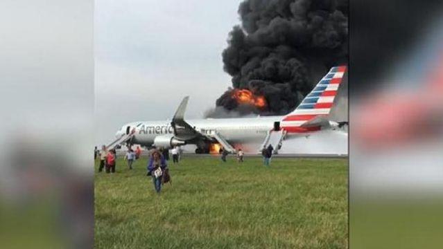 Yanan Uçaktaki Can Pazarı Kameralara Yansıdı