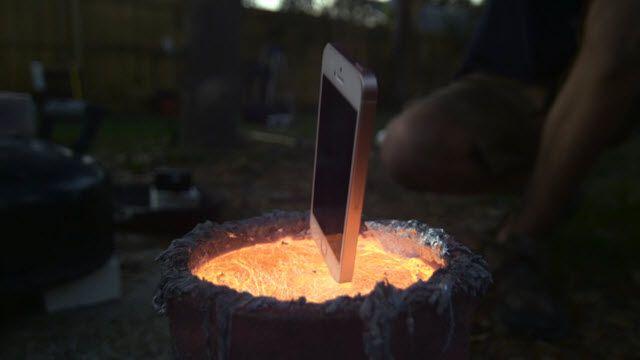 Lav İçine iPhone Atmanın Dayanılmaz Güzelliği