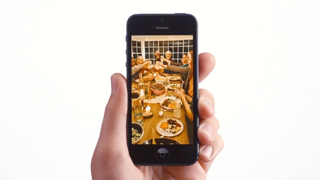 Apple'dan Şükran Günü Temalı iPhone 5 Reklamı