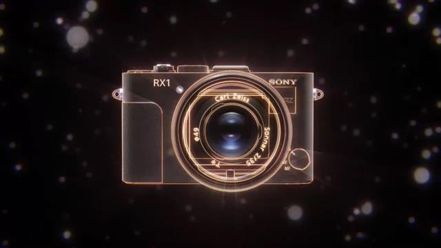 Sony'den Tam Kare Sensörlü Kompakt Fotoğraf Makinası