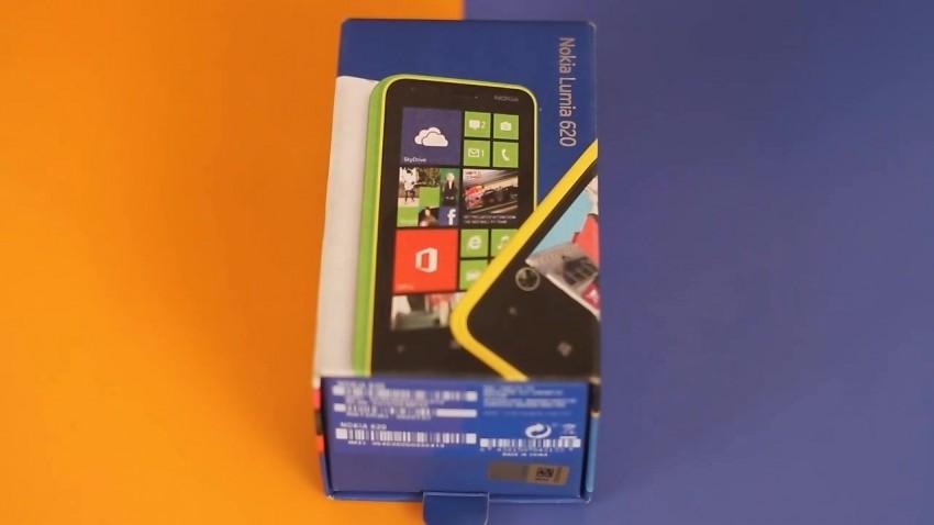 Nokia Lumia 620 Kutu Açılış Videosu