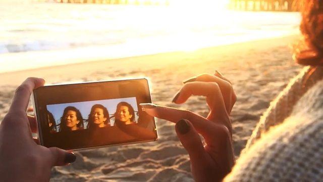 Nokia Lumia 925 Reklamı: Yüzleri Değiştir