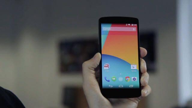 Google Nexus 5 için İlk İnceleme Videosu Three'den Geldi