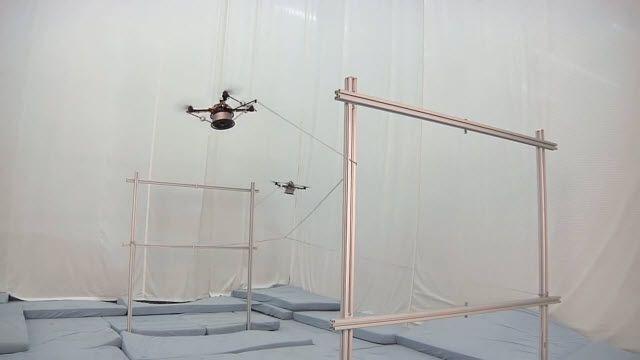 Uçan Makinalar Dev Örümcek Ağları Örüyor