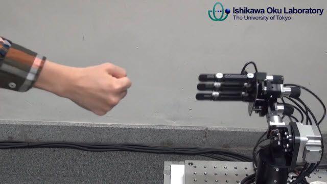 Janken: Kaybetmeyen Taş Kağıt Makas Robotu