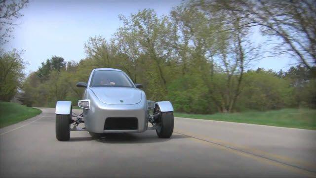 Elio Motors'un 3 Tekerli Otomobili Çok Ekonomik ve Yasal